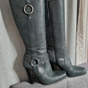 Guess Distressed Leather matte boots